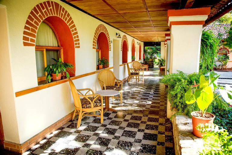 Regis Hotel & Spa, Panajachel