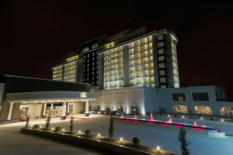 Alila Deluxe Thermal Hotel & Spa, Merkez