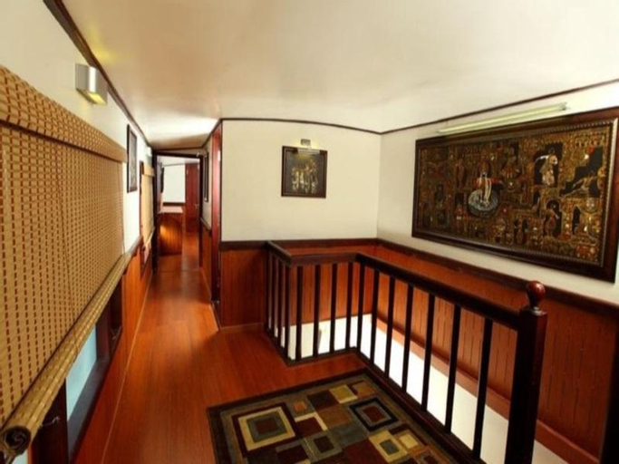 Grand Nirvana Jacuzzi Super Luxury Premium House Boat, Alappuzha