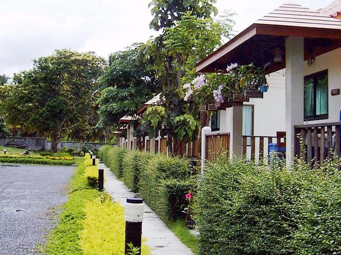 Naku Resort, Bang Lamung