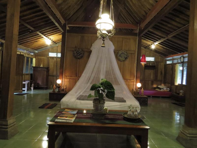 Rumah Limasan Jawa Homestay, Bantul