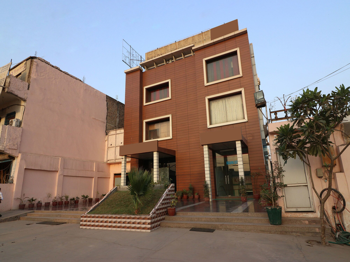 OYO 12848 Hotel Akash - Faridabad, Faridabad