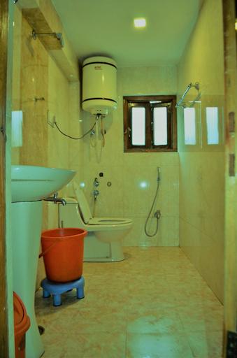 Hotel Palestine, Anantnag