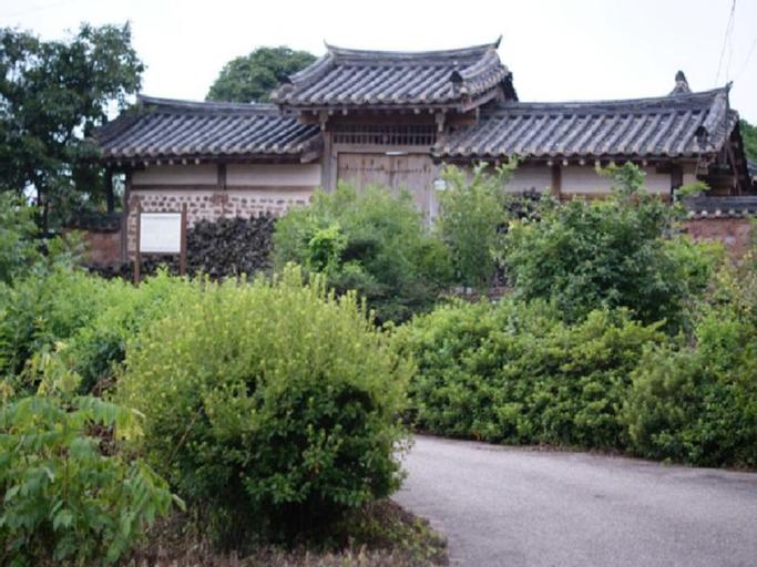 Jeongjaejongtaek Hanok Guesthouse, Andong