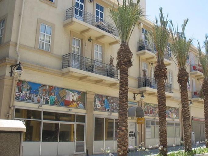 1926 Designed Apartments Hotel,