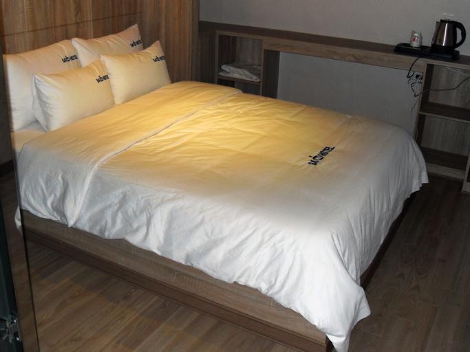 64 Inn Hotel, Jung