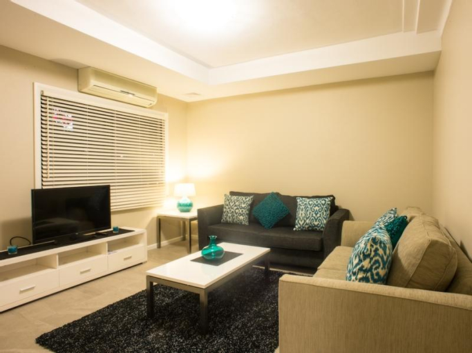 Amaaze Airport Apartments, Rockdale