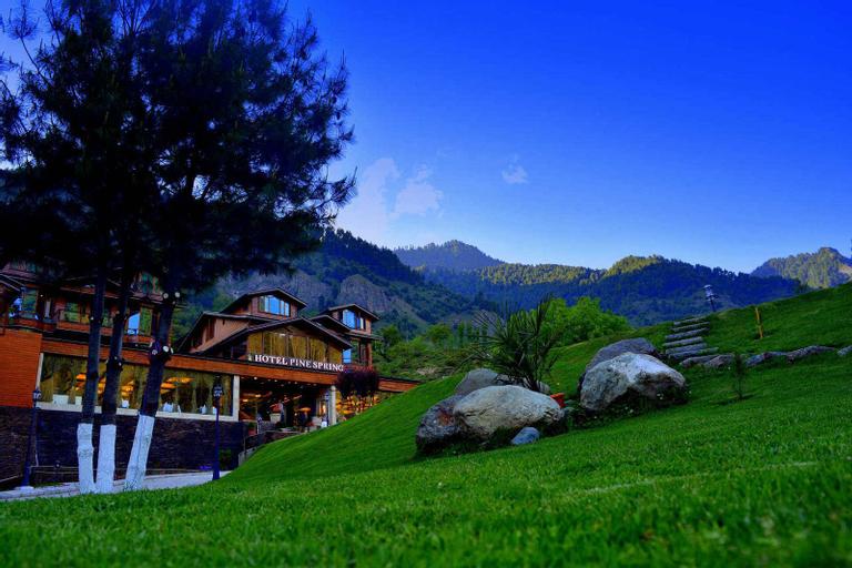 Hotel Pine Spring Pahalgam, Anantnag
