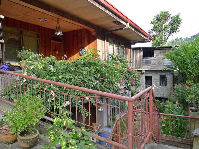 Lena's Pension House, Kiangan