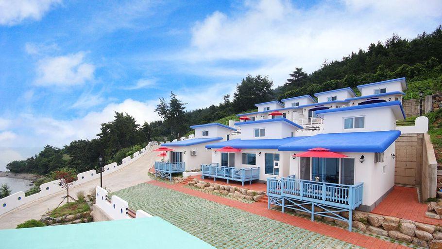 Namhae Blue & White Pension, Namhae