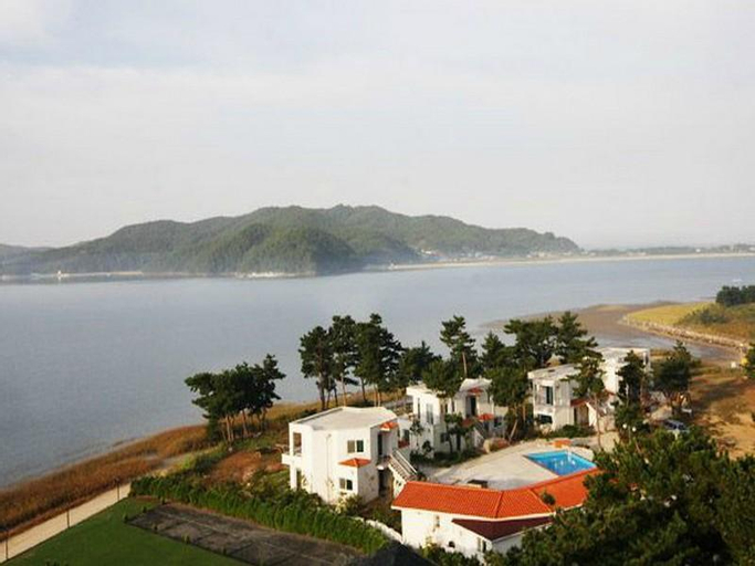 Goodstay Ebenezer Pension, Taean