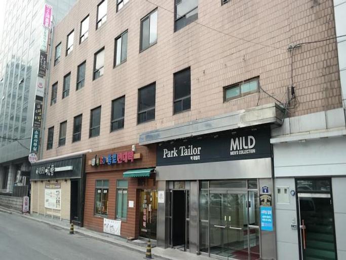 Myeongdong Story House Bed and Breakfast, Jongro