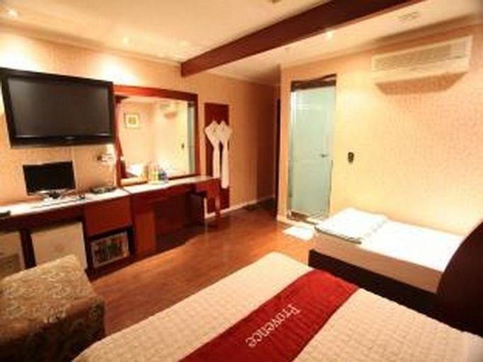Goodstay Provence Hotel, Nam
