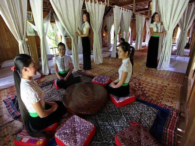 Hoa Ban Stilt House, Mai Châu