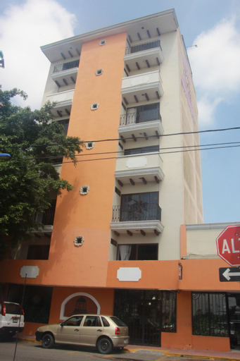 Hotel Plaza Independencia, Centro