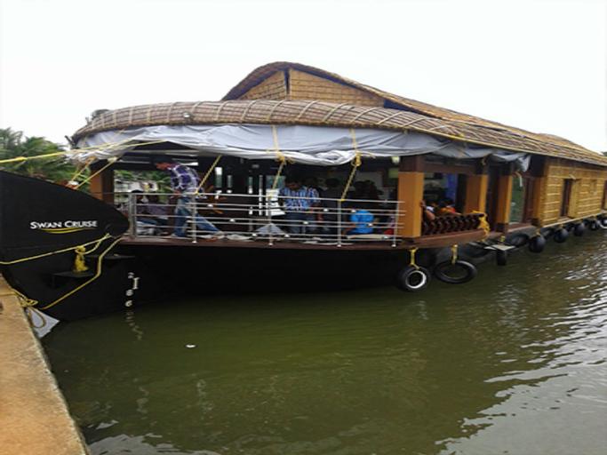 Sunny Days Houseboat, Alappuzha