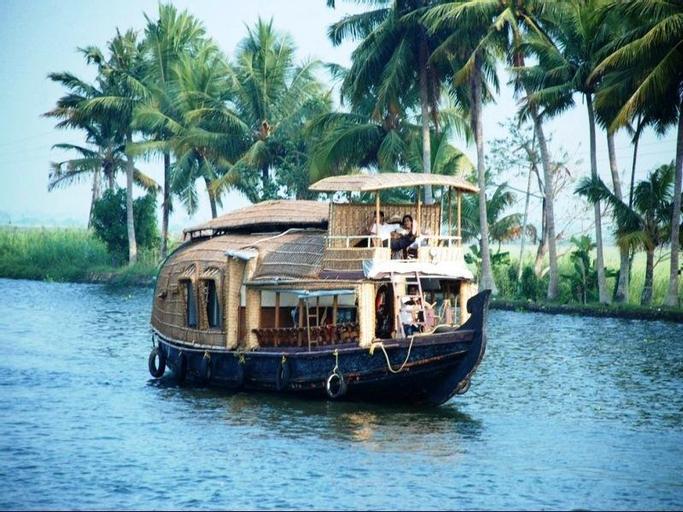 B 4 You Houseboats, Alappuzha