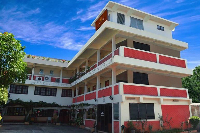 Kamolsorn Hotel, Mae Sariang