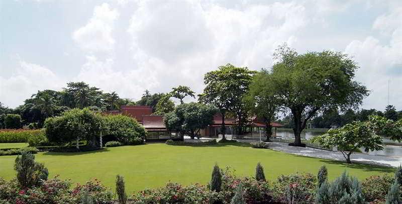 Sampran Riverside (formerly Rose Garden Riverside), Sam Phran