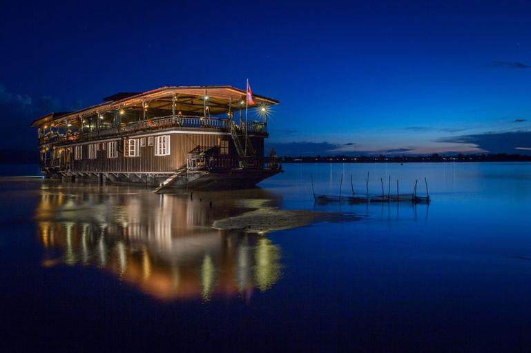 The Vat Phou Cruise, Pakxe