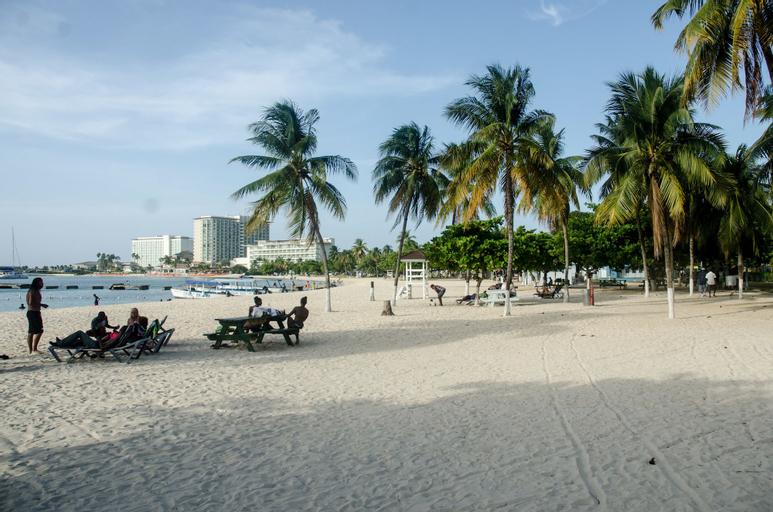 White Sands at Sandcastles,