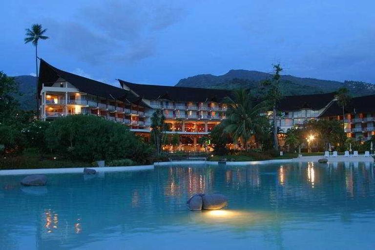 Tahiti Ia Ora Beach Resort managed by Sofitel,