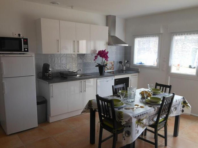 House With 3 Bedrooms in Blaye, With Enclosed Garden and Wifi, Gironde