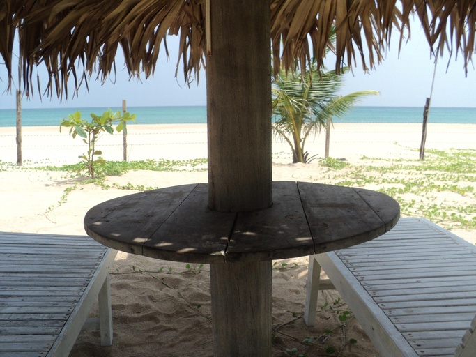 White Sand Beach Inn, Kuchchaveli