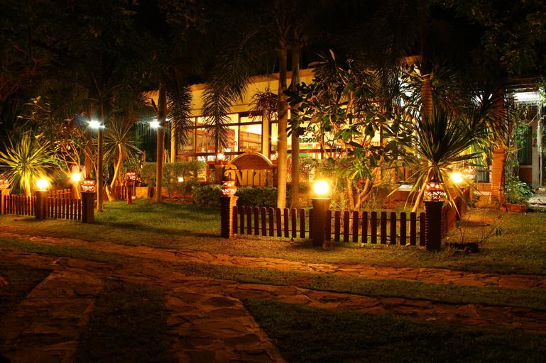 Baan Ing Khao Resort, Muak Lek