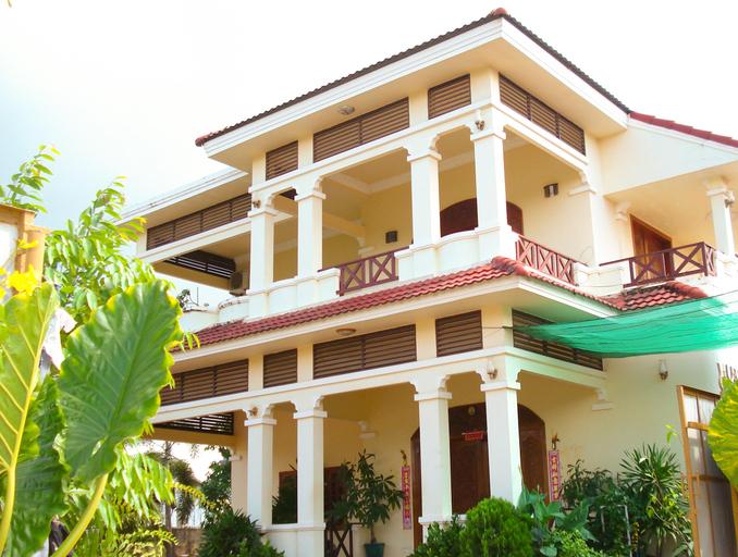 La Belle Villa, Kampong Bay