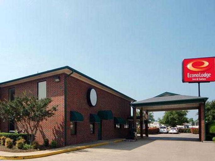 Econo Lodge Inn & Suites, McLennan