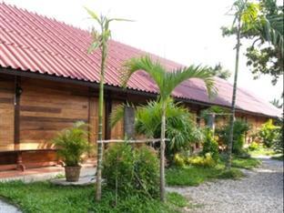Little Home Resort, Fang