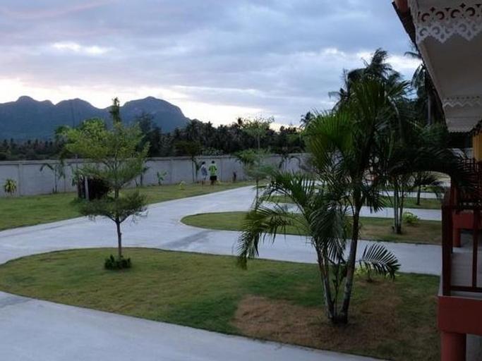Dinsor Resort, K. Sam Roi Yot