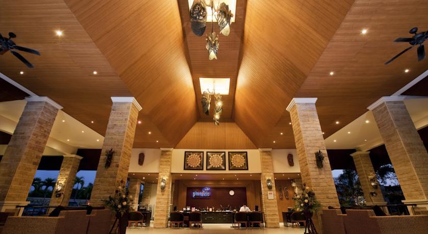 Pinnacle Grand Jomtien Resort and Beach Club, Sattahip