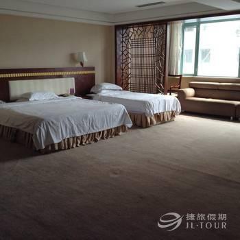 Yanbian Zhouji Holiday Hotel, Yanbian Korean
