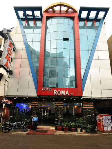 Hotel Roma DX, West