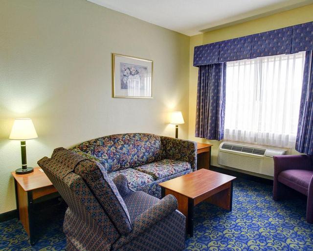 Quality Inn & Suites Bellmeand, McLennan