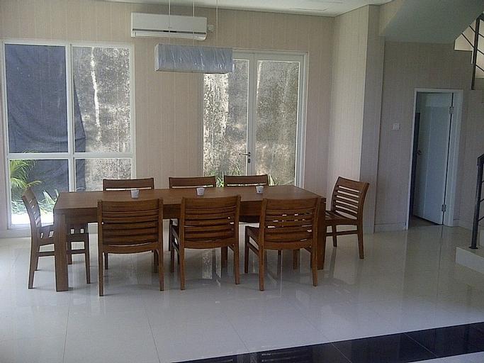 Villa Nine, Pandeglang