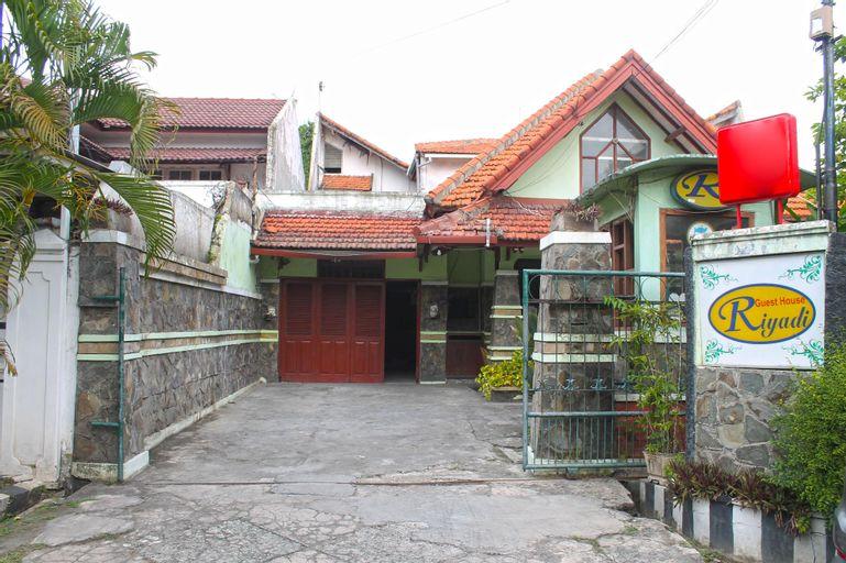 Riyadi Guest House Surabaya, Surabaya