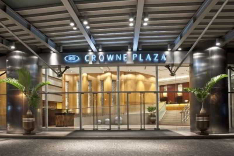 Crowne Plaza Manila Galleria, Pasig City