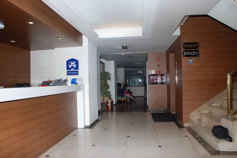 Dongdaemun Hotel, Jung