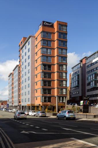 Roomzzz Leeds City West, Leeds