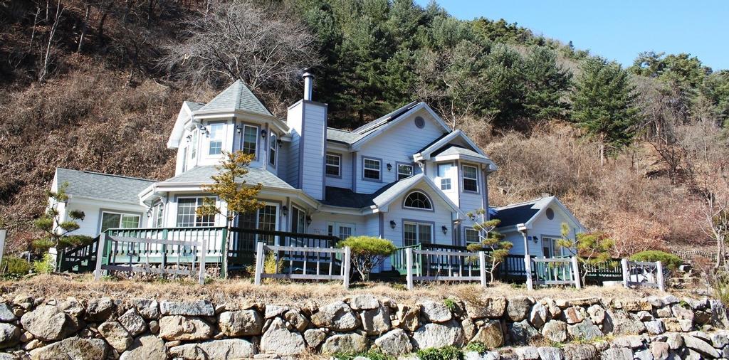 Eunbit Yeoulmok Pension, Hoengseong