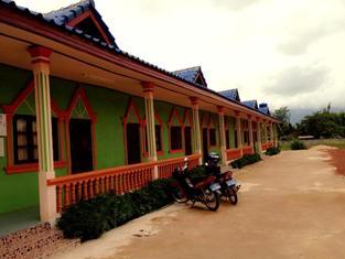 Phetphosy Guesthouse, Pakkading