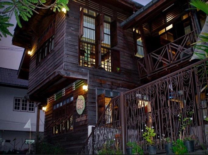 Ban Changton Guest House, Muang Surin