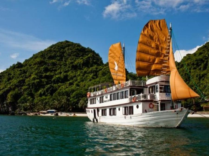 Phoenix Luxury Cruise, Hạ Long