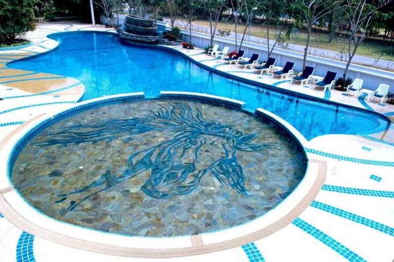 Horseshoe Point Resort, Bang Lamung