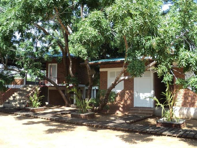 Sethway Village (Pet-friendly), Hingurakgoda