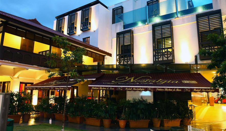 Nostalgia Hotel, Singapore River