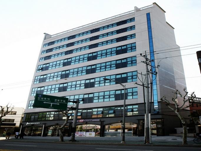 Richen County Hotel, Seongbuk